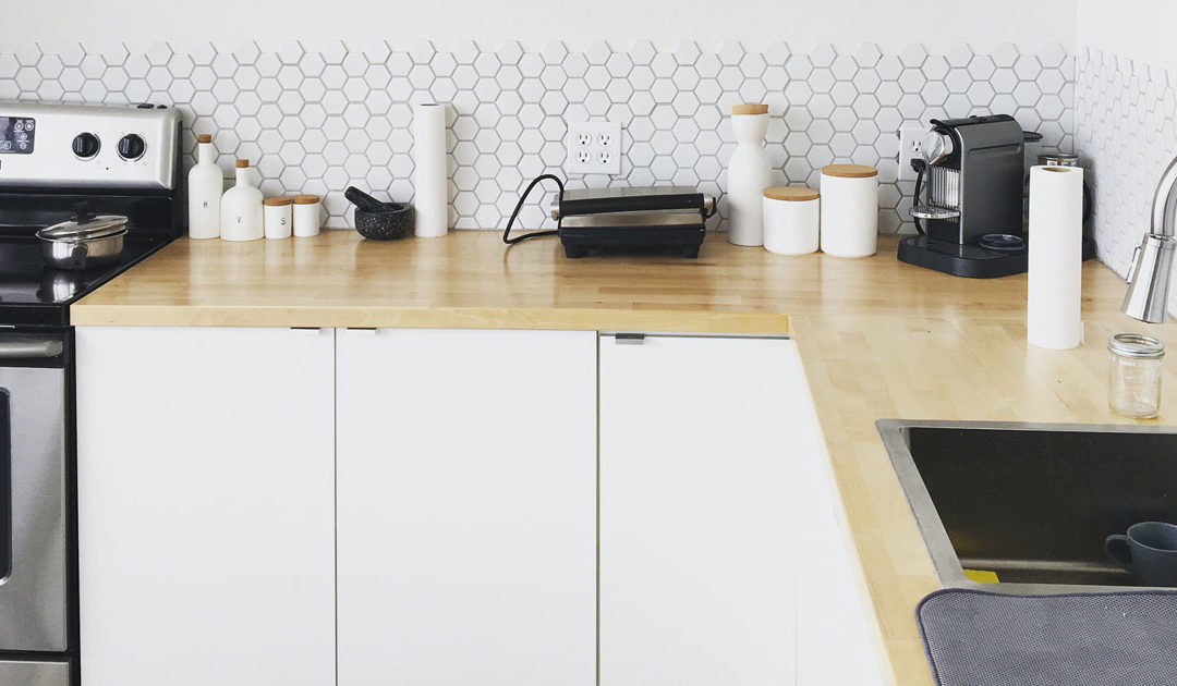 How to Make Clutter-Free Kitchen Counters a Reality